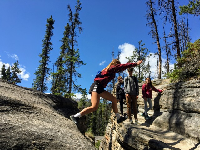 Guide to Icefields Parkway exploring at Athabasca Falls